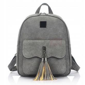 6b9849811d0 ... Elegantný batoh zo strapcom PL112SZ